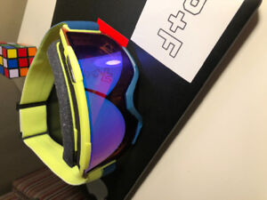 Selling brand new Smith goggles