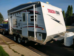 2011 Track and trail toy hauler