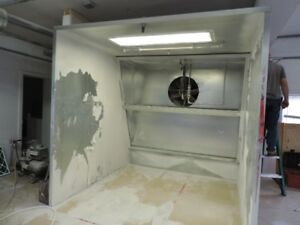 Spray booth and fire suppression system