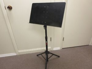 PROLINE MUSIC STAND FULL SIZE USED ONLY A FEW TIMES