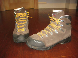 Mammut Hiking / Backpacking Boots