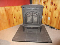 St. Croix Hastings Pellet Stove  In excellent condition