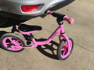 Toddler kick bike