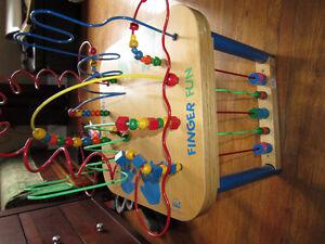 Bead Maze - Educo Finger Fun
