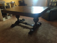 Antique table located in Elk Point