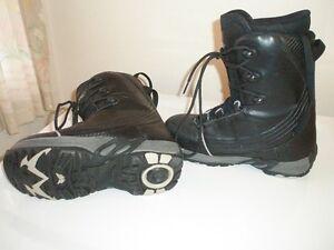HEELSIDE SNOWBOARD BOOTS MEN'S US SIZE 8, MONDO 26