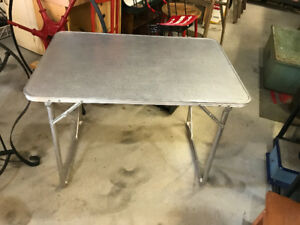VINTAGE ALUMINUM FOLDING CAMP TABLE