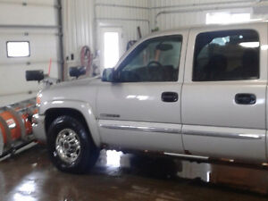 2004 GMC Sierra 2500 Pickup Truck with Arctic Plow