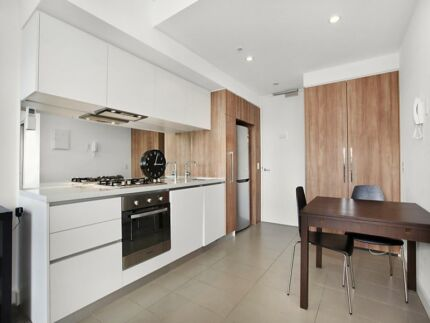 Perfect apartment in the central of  everything! Wheelers Hill Monash Area Preview