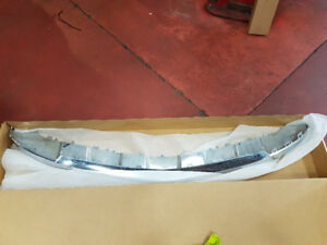 2013-2017 Mercedes GL350 Front Bumper Lower Chrome Trim Used