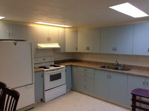 2 Bedroom Apt Close to Downtown!
