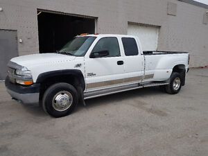 2001 Chevrolet C/K Pickup 3500 Dually Loaded Pickup Truck