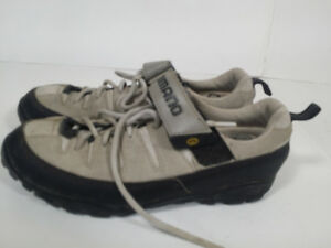 *SHIMANO - bike shoes - UNISEX : woman size 10 / men size  7.5*