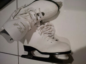 CCM Competitor Figure Skates size 3  - $30