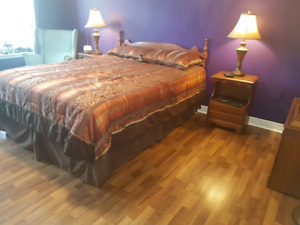 Queen Bedroom, Mattress & Boxspring