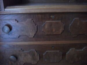 ANTIQUE WALNUT DRESSER Belleville Belleville Area image 8