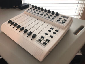 *Reduced* Behringer BCF2000 USB/Midi Controller Motorized Faders
