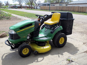 2006 John Deere 135 Garden Tractor With Bag Attachment