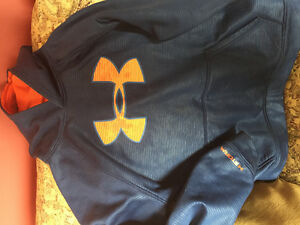 Youth Large Under Armour Storm Hoodie