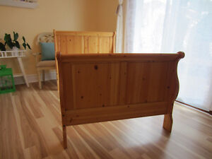 Made in Canada Solid Pine Canwood 5 piece Furniture Set