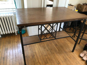 Kitchen/Dining table. Bar style table