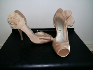 Beautiful heels size 7