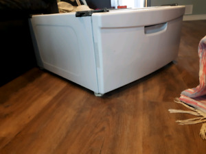 Front Loading Washer/dryer Pedestal- only 1