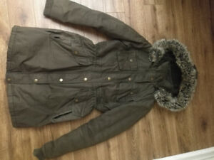 Olive green BCBG light winter jacket