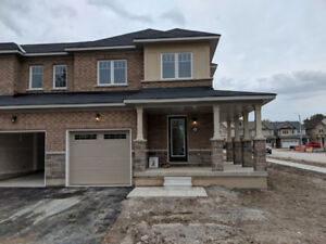 New 3 bedroom town house (Corner Unit) in Niagara Falls for Rent