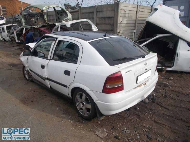Opel Astra 2001 1.8 STRIPPING FOR SPARES AND PARTS