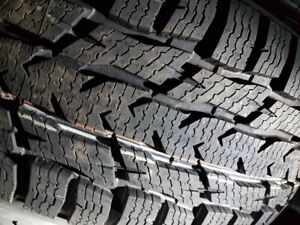 2 NEW LT235-65-R16 WINTER NOKIAN WRC3 LOAD E NEUFS