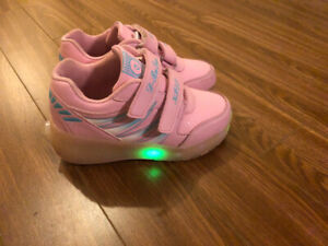 Heelys for girls in good condition
