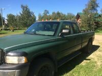 $2500 4x4 Ext Cab with 8' box