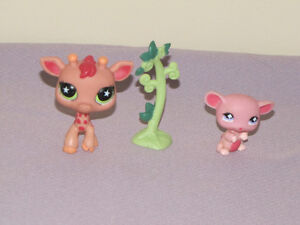 FOR SALE LITTLEST PET SHOP 8 SETS W/12 PETS DOGS, TURTLE, GIRA