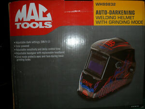 MAC TOOLS  New Auto-Darkening Welding Helmet with Grind Mode