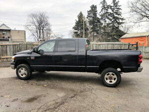 2007 Dodge Ram 2500 4x4 Mega Cab Hemi 5.7L SLT, Loaded, Sunroof