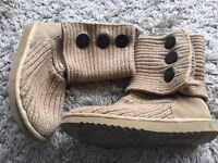Size 39 genuine ugg boots