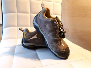 Ecco kids boys running shoes size 27 (9 US)