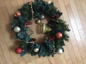 Christmas wreath London Ontario image 1
