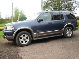 Parting out 04 ford 4x4 explorer eddie bauer edition