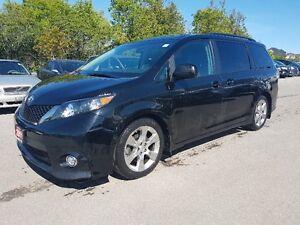 2011 Toyota Sienna SE Minivan *** 8 Passenger, SUNROOF, DVD, ***