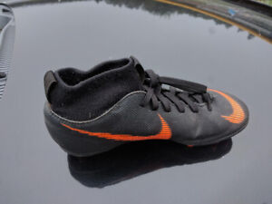 Soccer cleats kids shoes Nike Mercurial size 3.5
