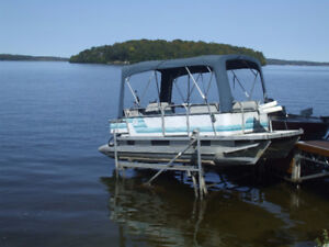 Pontoon Boat w/lift and trailer