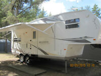 24' Rockwood Signature Ultra-Lite c/w 12' pull out (REDUCED)