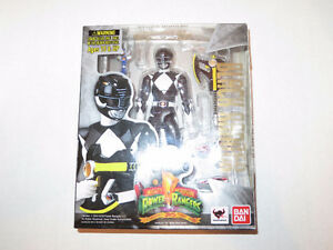 NEW S.H. Figuarts Mighty Morphin Power Rangers Black Ranger