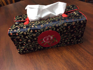 BRAND NEW TISSUE COVER West Island Greater Montréal image 2