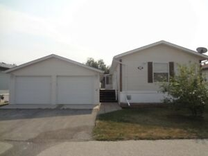 Unique 50+ Detached Home & Double Garage Condo in Sanford, MB