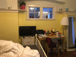 3 HUGE ROOMS FOR RENT (MAY TO AUGUST)
