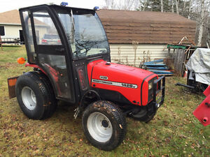 to trade 28hp, 4x4, F blower, F loader, cab