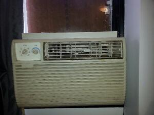 Air climatisé puissant (10000 BTU)